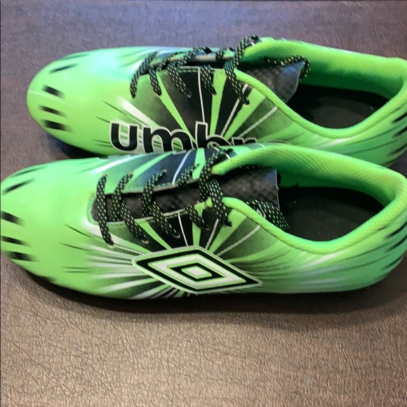 umbro youth soccer cleats
